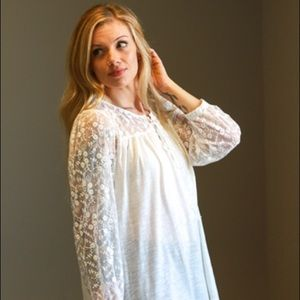 ULTRA SOFT peasant top with beautiful sleeves.